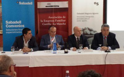 García de la Cruz in the Agro-food  meeting of AEFCM (Castilla- La Mancha Family Business  Association)