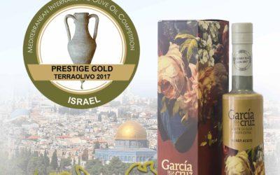 """GARCÍA DE LA CRUZ RECIBE EL PREMIO """"GRAND PRESTIGE GOLD"""" EN EL CONCURSO TERRAOLIVO DE JERUSALÉN."""
